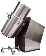 200L drum fitted with a 100L Top Hat -Top Hats clamp to the drum in place of the drum lid. For extra security Pharmatech have developed a heavy duty clamp band.